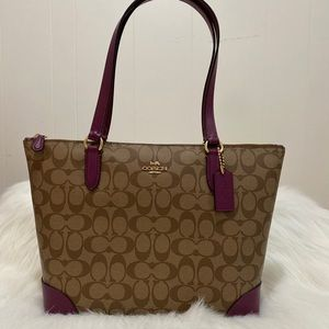 COACH ZIP TOP TOTE (KHAKI/BLACKBERRY/GOLD)